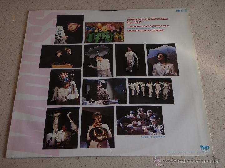 Discos de vinilo: MADNESS ( TOMORROWS 2 VERSIONES - BLUE BEAST - MADNESS ) ENGLAND-1983 MAXI45 STIFF RECORD - Foto 2 - 54833315