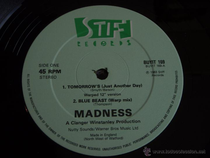 Discos de vinilo: MADNESS ( TOMORROWS 2 VERSIONES - BLUE BEAST - MADNESS ) ENGLAND-1983 MAXI45 STIFF RECORD - Foto 3 - 54833315