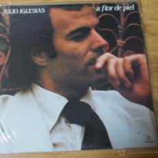 Disques de vinyle: JULIO IGLESIAS. A FLOR DE PIEL. Lote 54929694