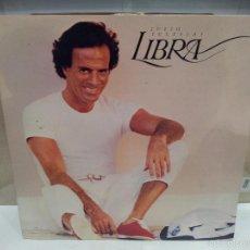 Discos de vinilo: JULIO IGLESIAS LP LIBRA VER FOTOS. Lote 56232930