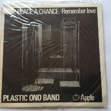 Discos de vinilo: PLASTIC ONO BAND (JOHN LENNON) - GIVE PEACE A CHANCE / REMEMBER LOVE (EDIC. PORTUGUESA 1969). Lote 56402074