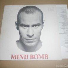 Discos de vinilo: THE THE (LP) MIND BOMB AÑO 1989 - ENCARTE INTERIOR CON LETRAS. Lote 56639431