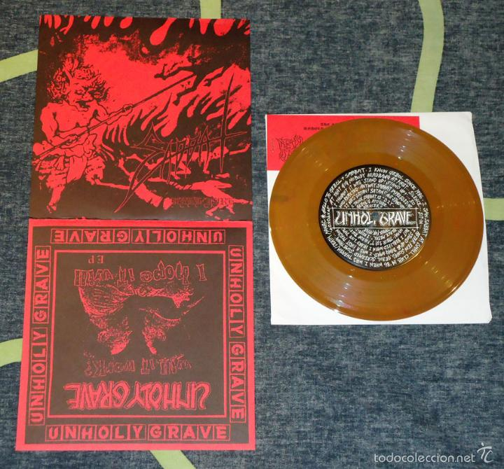 UNHOLY GRAVE / SABBAT - SPLIT - 7'' [#883/1000 · THE SKY IS RED, 2001] (Música - Discos de Vinilo - EPs - Heavy - Metal)