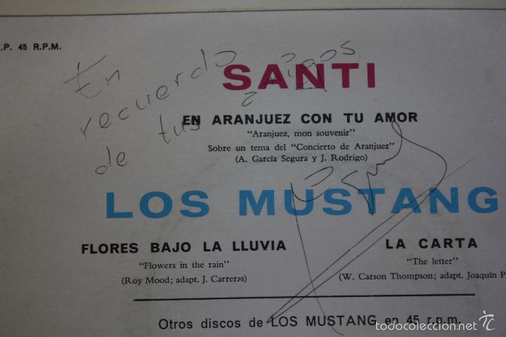 Discos de vinilo: LOS MUSTANG- FLORES BAJO LA LLUVIA +2- EP 1967- FIRMADO POR MIGUEL NAVARRO BAJISTA ORIGINAL.. - Foto 3 - 57154042