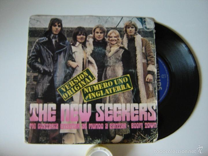 Discos de vinilo: THE NEW SEEKERS - I'D LIKE TO TEACH THE WORLD TO singles / BOOM TOWN - 1972 ESPAÑA SINGLEs 45 RPM - Foto 1 - 57270166