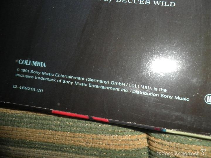 Discos de vinilo: DEUCES WILD - LIVING IN THE SUN LP - ORIGINAL HOLANDES - COLUMBIA 1991 CON FUNDA INT. ORIGINAL - Foto 3 - 57340831