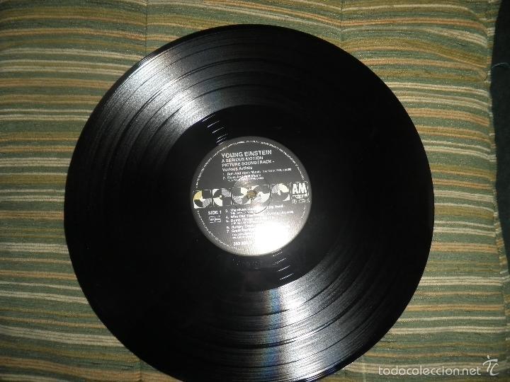 Discos de vinilo: YOUNG EINSTEIN B.S.O. LP - ORIGINAL ALEMAN - A&M RECORDS 1988 CON FUNDA INT. ORIGINAL - - Foto 14 - 57761917
