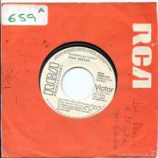 Disques de vinyle: JOHN DENVER / LEAVING, ON A JET PLANE / SUNSHINE ON MY SHOULDERS (SINGLE PROMO 1974). Lote 118247608