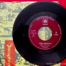 Discos de vinilo: CARL DOUGLAS (SINGLE PYE 1974) KUNG FU FIGHTING / GAMBLIN' MAN. Lote 57810182