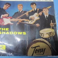 Discos de vinilo: EP SINGLE THE SHADOWS. Lote 58257137