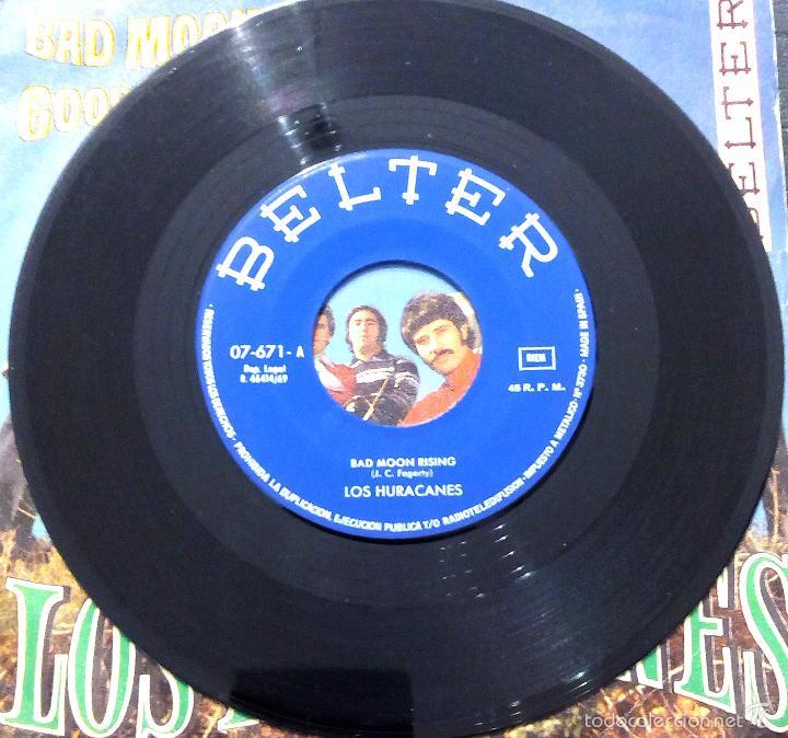 Discos de vinilo: SINGLE LOS HURACANES - BAD MOON RISING - BELTER 1969. - Foto 3 - 58426746
