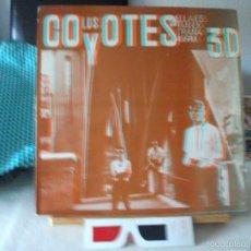 Discos de vinilo: SUPER-SINGLE DE LOS COYOTES, 12´´, ELLA ES TAN EXTRAÑA + 3 (AÑO 1983), INCLUYE LAS GAFAS 3D. Lote 60373263