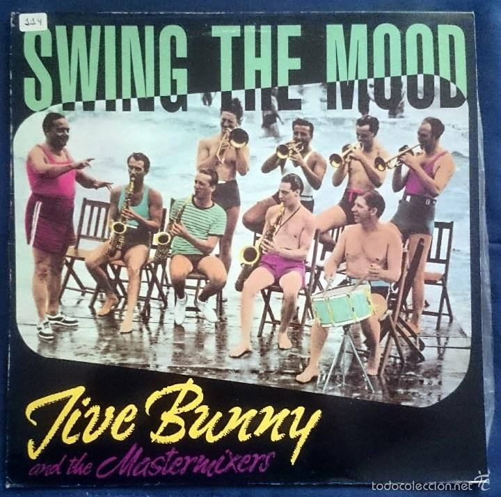 JIVE BUNNY AND THE MASTERMIXERS: SWING THE MOOD, MAXISINGLE BOY RECORDS BOY-051, SPAIN, 1989.VG+/VG+ (Música - Discos de Vinilo - Maxi Singles - Rock & Roll)