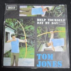 Discos de vinilo: SINGLE. TOM JONES. HELP YOURSELF DAY BY DAY.. Lote 60984275