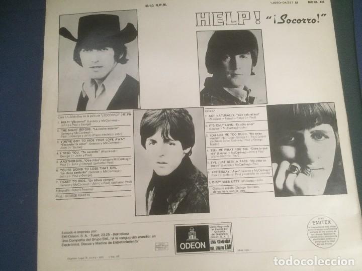 DISCO DE VINILO BEATLES (HELP) AÑO 1965 CON PORTADISCOS PARA 12 DISCOS DE LA MISMA EPOCA (Música - Discos de Vinilo - Maxi Singles - Pop - Rock Extranjero de los 50 y 60)