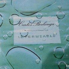 Discos de vinilo: CARLOS BERLANGA IMPERMEABLE - LP VINILO TRANSPARENTE- ELEFANTE RECORDS 2001 INSERTO. Lote 64167299