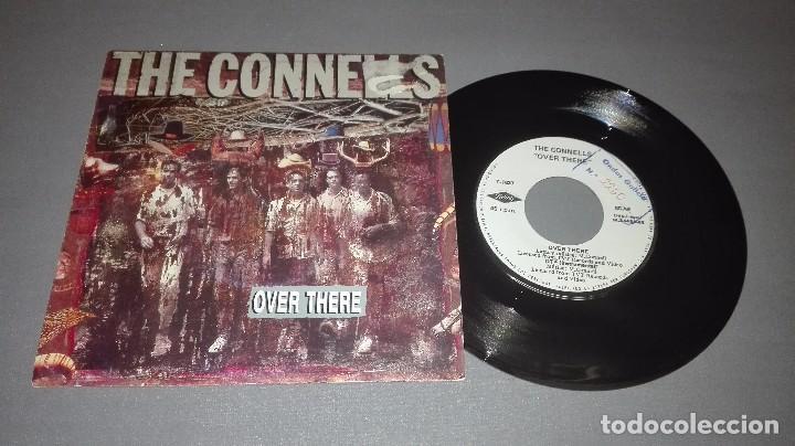 1018- THE CONNELLS -OVER THERE - DISC VIN 7-PORTADA VG / DISCO VG + (Música - Discos - Singles Vinilo - Otros estilos)