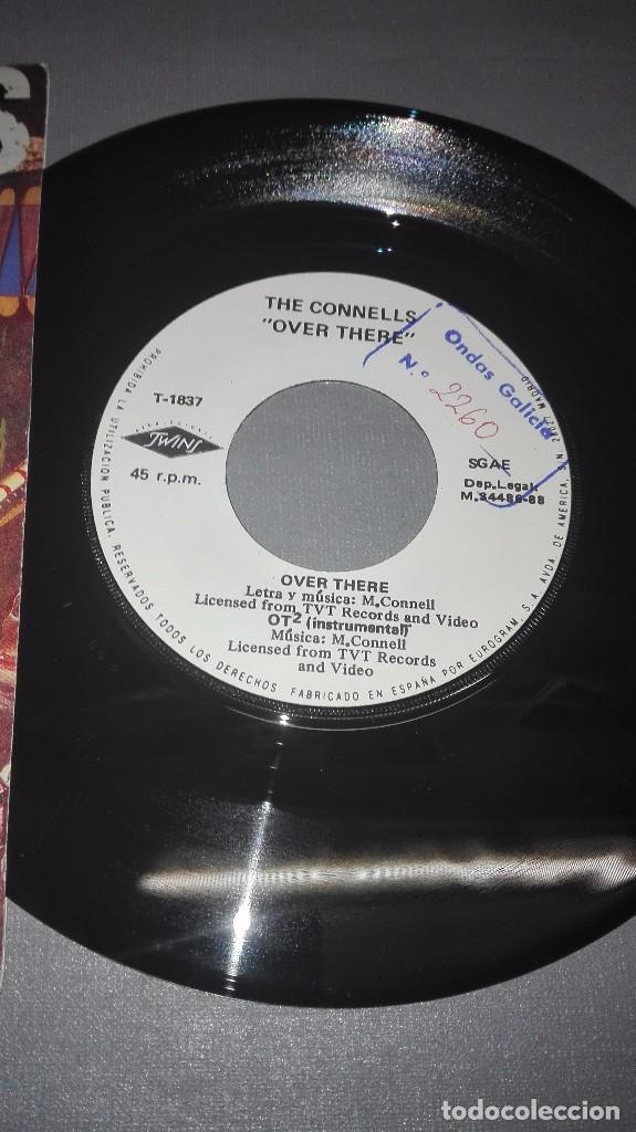 Discos de vinilo: 1018- THE CONNELLS -OVER THERE - DISC VIN 7-PORTADA VG / DISCO VG + - Foto 2 - 64302327