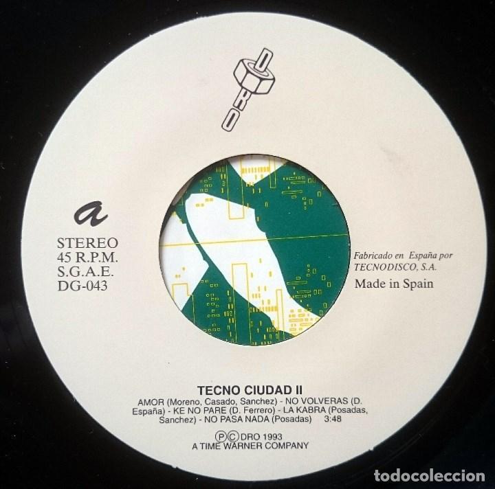 Discos de vinilo: VVAA: Techno Ciudad 2 Mix, Single DRO DG-043, Spain, 1993. NM/VG+. Ray, ASAP, Farmlopez, Santuario - Foto 2 - 65843326