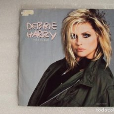 Discos de vinilo: DEBBIE HARRY (BLONDIE) FREE TO FALL, MAXI-SINGLE EDICION MADE IN UK 1987, CHRYSALIS RECORDS. Lote 66313358