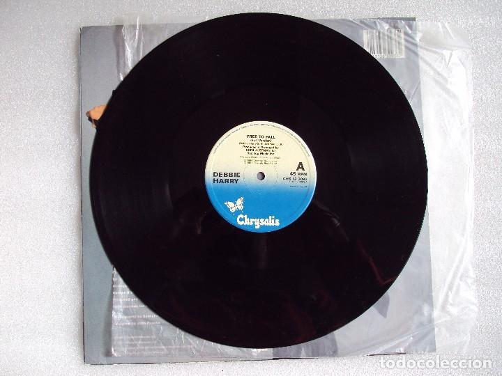 Discos de vinilo: DEBBIE HARRY (BLONDIE) FREE TO FALL, MAXI-SINGLE EDICION MADE IN UK 1987, CHRYSALIS RECORDS - Foto 4 - 66313358