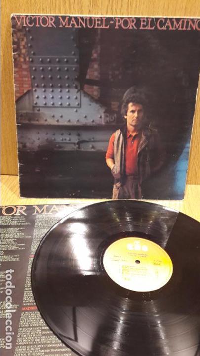 VÍCTOR MANUEL. POR EL CAMINO. LP / CBS - 1983. / MBC. ***/*** (Música - Discos - LP Vinilo - Cantautores Españoles)