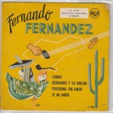 Discos de vinilo: FERNANDO FERNANDEZ / SONRIE + 3 (EP 1959). Lote 68006225
