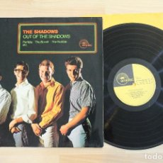 Discos de vinilo: THE SHADOWS OUT THE SHADOWS LP MADE IN GERMANY. Lote 68039473