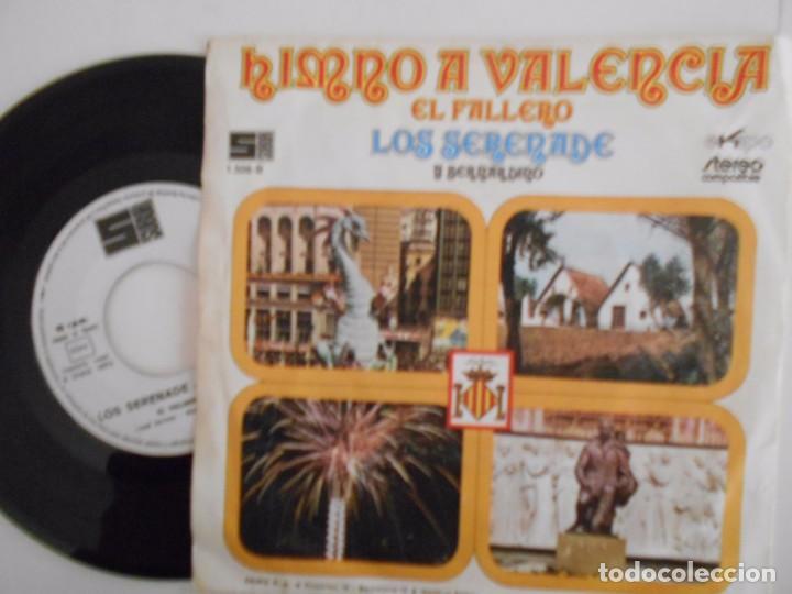 Discos de vinilo: LOS SERENADE Y BERNARDINO-SINGLE HIMNO A VALENCIA-1972 - Foto 2 - 68754637