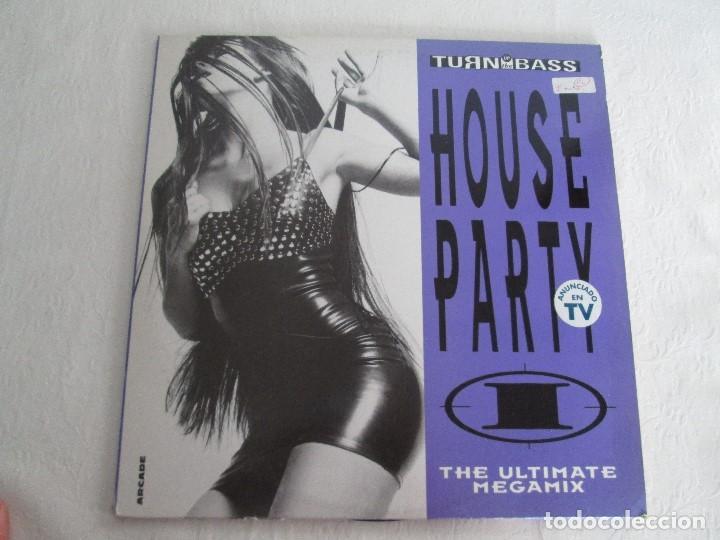 Discos de vinilo: TURN UP THE BASS. HOUSE PARTY. THE ULTIMATE MEGAMIX. DOS VINILOS. ARCADE. VER FOTOGRAFIAS ADJUNTAS - Foto 2 - 68944573