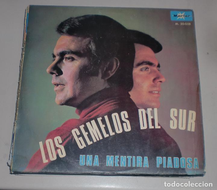 LP. LOS GEMELOS DEL SUR. UNA MENTIRA PIADOSA. MARFER. 1968 (Música - Discos - LP Vinilo - Cantautores Españoles)