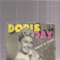 Discos de vinilo: DORIS DAY YOUNG AT HEART. Lote 73397239
