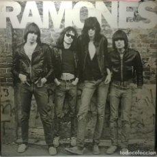 Discos de vinilo: RAMONES. RAMONES. SIRE, GERMANY 1976 (PRIMER LP REEDICIÓN 1982) SIR K 56654. Lote 73821431