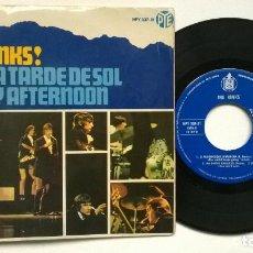 Discos de vinilo: THE KINKS ! EN UNA TARDE DE SOL. Lote 73993799
