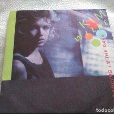 Discos de vinilo: SINGLE KIM WILDE DANCING IN THE DARK. Lote 74137119