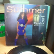 Discos de vinilo: DONNA SUMMER - LOVE IS IN CONTROL / SOMETIMES LIKE BUTTERFLIES - SINGLE 1982. Lote 74840751