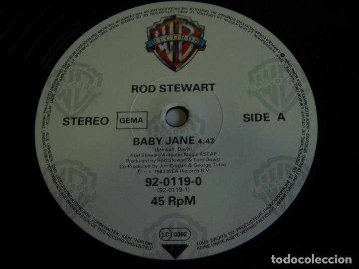 Discos de vinilo: ROD STEWART ( BABY JANE - READY NOW - IF LOVING YOU IS WRONG ) GERMANY-1983 MAXI45 WARNER BROS - Foto 3 - 74841703