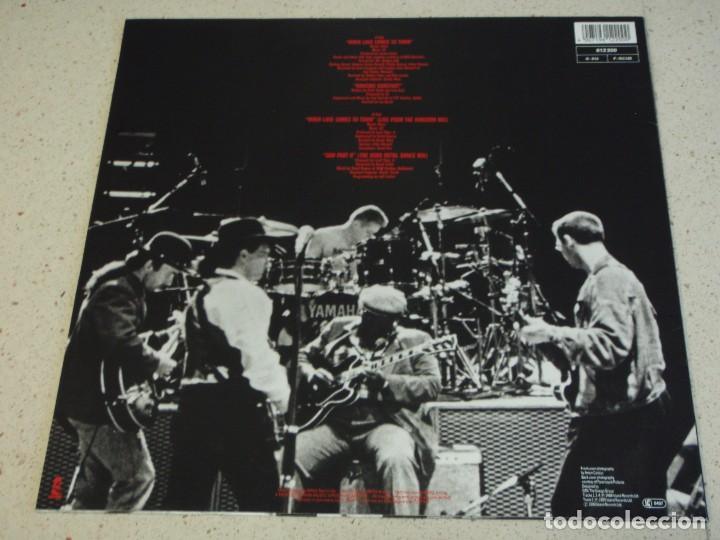 Discos de vinilo: U2 with B.B.KING ( WHEN LOVE COMES TO TOWN 2 VERSIONES - DANCING BAREFOOT - GOD PART II ) 1989 - GER - Foto 2 - 156899384