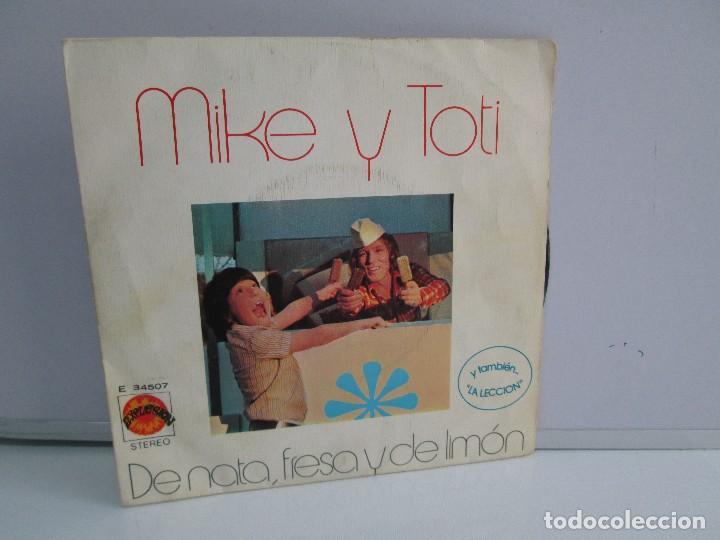 MIKE Y TOTI. DE NATA, FRESA Y DE LIMON. DISCO VINILO. VER FOTOGRAFIAS ADJUNTAS (Música - Discos - Singles Vinilo - Música Infantil)