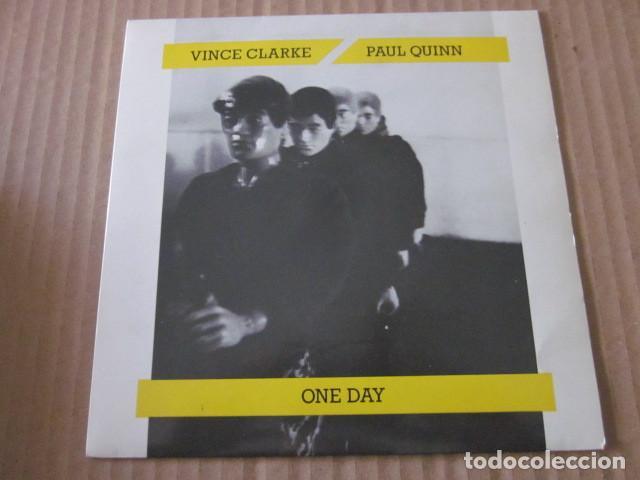 VINCE CLARKE & PAUL QUINN - ONE DAY - SN - EDICION UK DEL AÑO 1985 - DEPECHE MODE. (Música - Discos - Singles Vinilo - Electrónica, Avantgarde y Experimental)