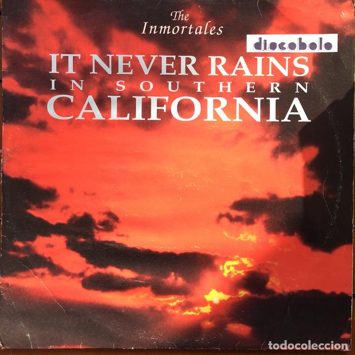 THE INMORTALES - IT NEVER RAINS IN SOUTHERN CALIFORNIA . 1992 MEGABEAT RECORDS (Música - Discos de Vinilo - Maxi Singles - Grupos Españoles de los 90 a la actualidad)