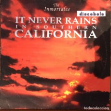 Discos de vinilo: THE INMORTALES - IT NEVER RAINS IN SOUTHERN CALIFORNIA . 1992 MEGABEAT RECORDS. Lote 77478593