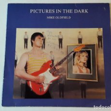 Discos de vinilo: MIKE OLDFIELD - PICTURES IN THE DARK - 1985. Lote 77872457