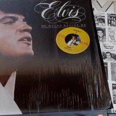 Discos de vinilo: ELVIS PRESLEY - HE WALKS BESIDE ME - LP 1978 (CANADA) AFL1-2472 + LIBRO DE FOTOS. Lote 78152393