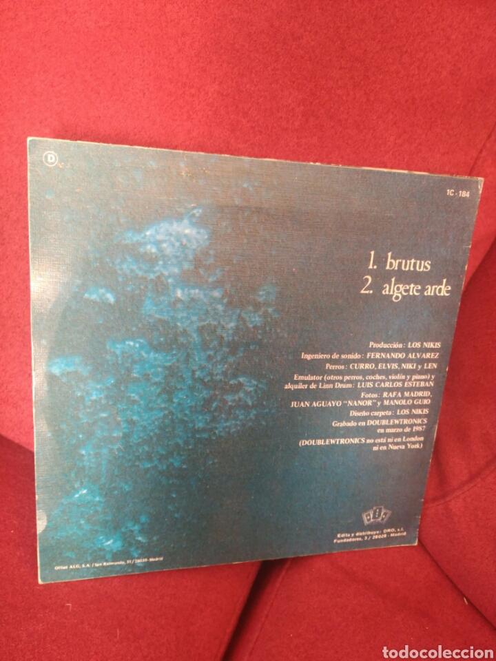 Discos de vinilo: Los Nikis Brutus Algete arde - Foto 2 - 80002325