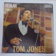 Discos de vinilo: SINGLE. TOM JONES. DELILAH / SMILE. 1968. DECCA. Lote 80585378