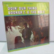 Discos de vinilo: DOIN´OUR THING . BOOKER T. & THE MG´S. DISCO DE VINILO. STAX RECORDS 1968. VER FOTOGRAFIAS ADJUNTAS. Lote 81109428