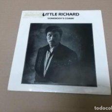 Discos de vinilo: LITTLE RICHARD (SN) SOMEBODY'S COMIN' AÑO 1986 – EDICION PROMOCIONAL. Lote 82766596
