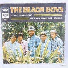 Discos de vinilo: DISCO VINILO SINGLE - THE BEACH BOYS - GOOD VIBRATIONS - LETS GO AWAY FOR AWHILE. Lote 83885380