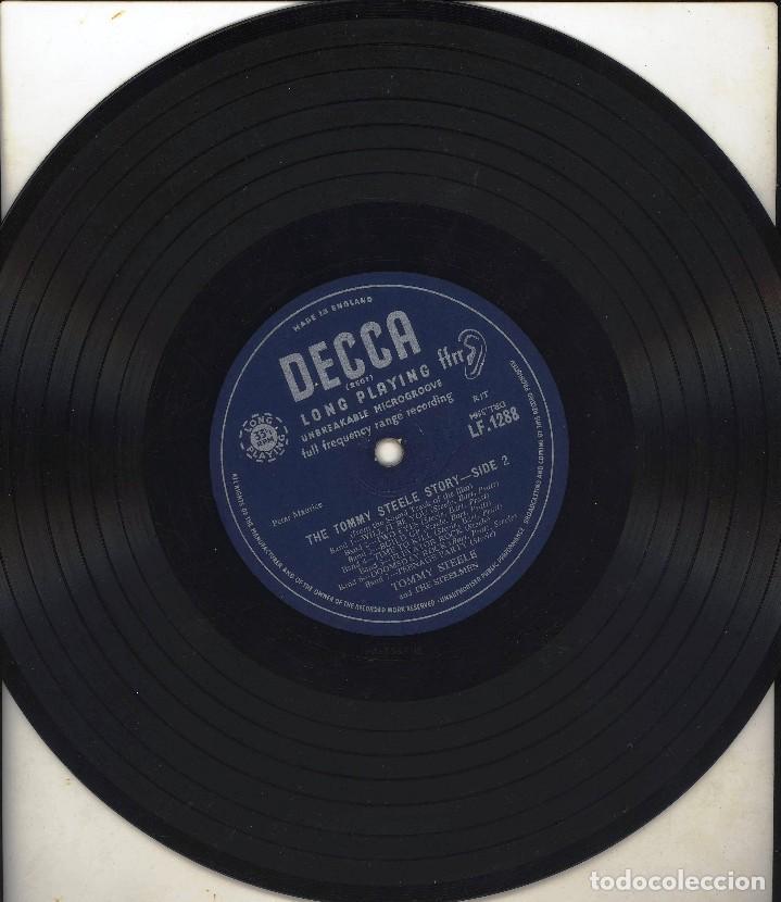 Discos de vinilo: ANTIGUO DISCO VINILO THE TOMMY STEELE STORY - LONG PLAYING SIN CARATULA SOLO PLASTICO PROTECCION - Foto 2 - 84174876
